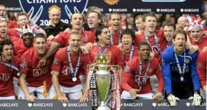 Carlitos festeja su sexto título en dos años en el Manchester